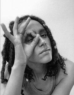 Game Of Thrones Cocktails, Eye Of Horus Illuminati, La Sainte Bible, Nathalie Emmanuel, Occult Symbols, Natural Women, Fashion Books, Make Time, Beautiful Black Women