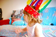 kids crafts, manualidades con niños, cinta de indio plumas