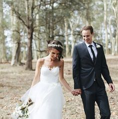 || Maddi + Andy Gown: 'Matilda' Karen Willis Holmes - IN STORES NOW! Photographer: The Loved Ones