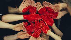 Humaníssimo, você às vezes se sente cansado e triste? Já parou para pensar que o seu coração pode estar pesado? Para resolver isso, há alguns hábitos que podem encorajar-nos a agir com o coração leve e bondoso, e assim nos sentimos maravilhosamente bem. Confira o post de hoje com 7 DICAS simples, mas que farão toda a diferença! http://humanissimo.com.br/7-habitos-de-pessoas-com-coracao-bondoso-e-leve/