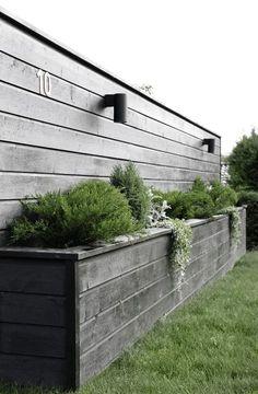 Amazingly Creative Long Planter Ideas for Your Patio 49 Garden Boxes, Garden Planters, Planters Flowers, Back Gardens, Outdoor Gardens, Long Planter, Large Planter Boxes, Bamboo Planter, Diy Flower Boxes