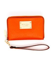 Mom will love this wallet that is ther perfect size to hold her iphone!