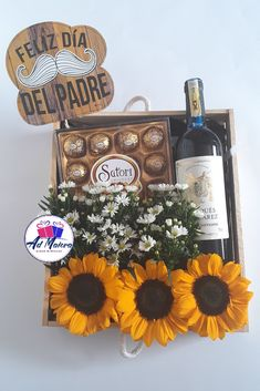Vino Y Chocolate, Floral Bouquets, Chocolates, Valentines, Photo And Video, Instagram, Ideas, Food, Floral Arrangements