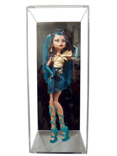 - High Clarity Acrylic Display Case for display of a Doll, Car, Figurine, GI…