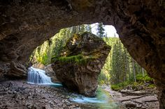 The best time to visit Johnston Canyon in Banff National Park, images, and how to get to the secret rock cave. This is one of the best hikes in Banff! Banff National Park Canada, Banff Canada, Alberta Canada, Jasper Alberta, Johnston Canyon Banff, Parks Canada, Best Hikes, Roadtrip, Fantasy Landscape
