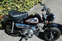 Honda Monkey Z50J4 'Black Edition'
