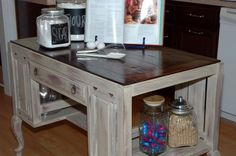 Sweet South Cottage - finish idea using Annie Sloan paints. My kitchen table is cryng for an update.