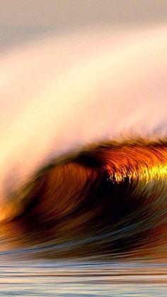 """ Prima di essere schiuma saremo indomabili onde "" ( Cesare Pavese )  http://seventhfloor-sev.blogspot.it/2014/10/onde-indomabili.html#links"
