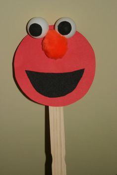 Elmo puppet, great DIY party favour if turned into pencil topper or cupcake topper inspiration. Craft Activities, Preschool Crafts, Crafts For Kids, Arts And Crafts, Elmo Birthday, Baby First Birthday, Birthday Cakes, Cute Crafts, Craft Stick Crafts