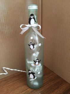 Frosted penguin wine bottle lamp by WineandVineGlow on Etsy (Wine Bottle) bottle Crafts Frosted penguin wine bottle lamp by WineandVineGlow on Etsy (Wine Bottle) - Crafts Wine Bottle Glasses, Wine Bottle Corks, Glass Bottle Crafts, Bottle Bottle, Bottle Carrier, Wine Decanter, Painted Wine Bottles, Lighted Wine Bottles, Painted Wine Glasses