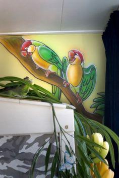 Papegaaien schildering in jungle kamer