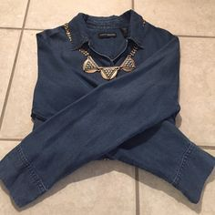 Chambray shirt Super soft, cool pockets. Tag says PM but fits like a true medium. Mint condition. Tops
