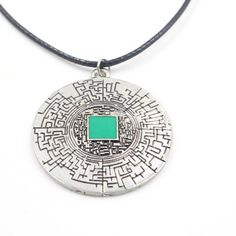 If you like the maze runner, you'll definitely love this pendant necklace. Great for men and women, this vintage necklace is fashionable whether you like the maze runner or not. Get it while it's still in stock! SHIPPINGto USAis 12-20DaysSHIPPING rest of Globe is 12-42 Days *In stock while supplies last Metals Type: Zinc AlloyGender: UnisexNecklace Type: Pendant NecklacesStyle: VintageChain Type: RopeMaterial: MetalModel Number: xl0426Shape\pattern: RoundPendant Size: 3*3CmItem Ty...