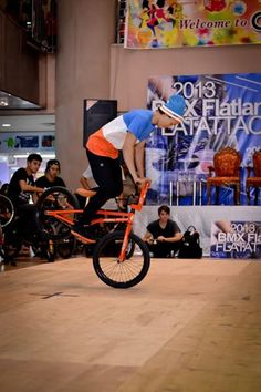 ASIAN BMX FREESTYLER http://streets-united.com/blog/asian-bmx-freestyler/