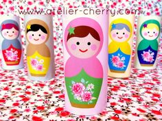 Super cute!   Use tubes of toilet paper to make this cute matrioshka dolls - Printables and tutorial