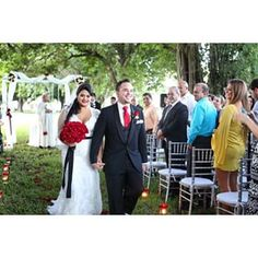 #sanabriaeventsdesign wedding! Photo: @florida_weddings  #sanabriaeventsdesign #miamieventplanner #miamiweddingplaner #eventplanner #weddingplanner #weddings #miamiwedding  #partyplanner #wedding #curtissmansion