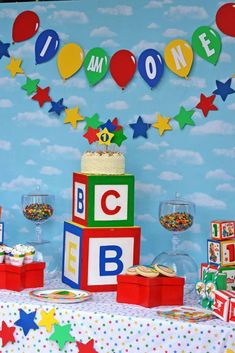 Caillou Birthday Party | CatchMyParty.com