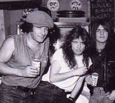 BRIAN JOHNSON,ANGUS AND MALCOLM YOUNG.