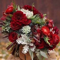 26 Wedding Bouquets for Winter Brides & Their Maids ~ Just wow! Floral Verde at their best