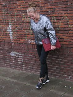 Let us introduce you to fashion blogger Sheelagh. She shows you a cool party outfit for Christmas with her MPS boots!