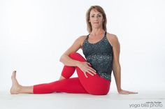 Healthy digestive system is crucial to our well-being. If you suffer from constipation or feel bloated and puffy try these yoga poses to improve digestion. #digestion #yoga_poses #reduce_bloating #yoga_poses