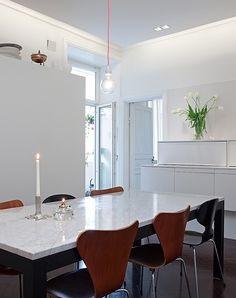 concealed lighting in high ceiling