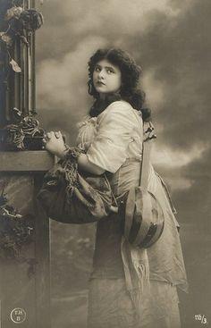 Beautiful Vintage Gypsy | Gypsy Lady with Bags Long Hair Beautiful Vintage ... | Vintage images