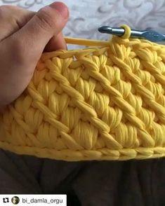 Repost#livingcrochet sur Instagram: APRENDE UN PUNTO NUEVO how to crochet a new stitch video tutorial by @bi_damla_orgu #livingcrochet #crochet#trapillo#totora#yarn