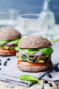 Find certified organic vegan products online and in-store. Enjoy healthy living organic recipes & vegan products on the Assuaged app. Protein Muffins, Protein Snacks, Protein Dinner, Burger Recipes, Veggie Recipes, Vegetarian Recipes, Healthy Recipes, Healthy Food, Hamburger Vegan