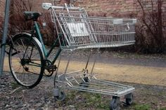 Grocery #Bike this is actually brilliant but i'd have replaced the lower part of the cart with larger wheels.