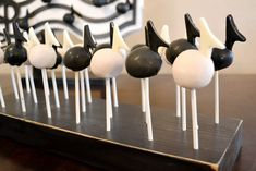 Music Cake Pops-click photo for directions to make the note stem and attach to cake pop.