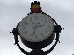 #Vomero: L'#orologio di #piazzaVanvitelli dà i #numeri - http://go.shr.lc/1ySOKmR