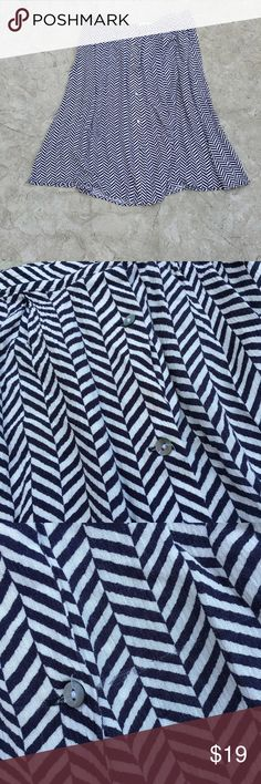 """LOFT button front chevron skirt Loft button front chevron skirt. Size 10. 100% rayon. Laying flat approx waist 16"""" approx length 24"""". Small snag as pictured;not noticeable when wearing. I welcome all offers and discount bundles. LOFT Skirts"""