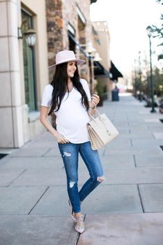 pregnancy outfits casual 853080354406097819 - Weekend Wear… – Rach Parcell – Tee: T by Alenxander Wang Maternity Wear, Maternity Fashion, Maternity Styles, Maternity Swimwear, Weekender, Spring Summer Fashion, Spring Outfits, Saint Laurent, Valentino