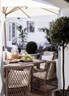 Consider this necessary picture in order to look into the here and now facts and techniques on patio furniture cushions Patio Furniture Cushions, Patio Chairs, Garden Furniture, Outdoor Furniture Sets, Outdoor Areas, Outdoor Rooms, Outdoor Living, Outdoor Decor, Indoor Outdoor