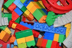 {LEGO Build Challenge} : Heart – Homeschool