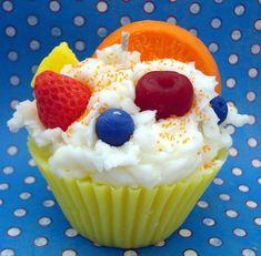 Tropical-fruit-salad-jumbo-cupcake-candle