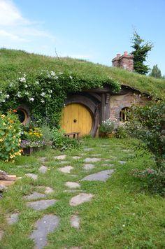 Hobbit House hobbit hole, dream homes, the hobbit, hobbit home, future house, hobbit houses, dream houses, hobbits house, new zealand