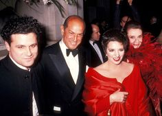 Isaac Mizrahi, Oscar de la Renta, Liza Minnelli and Audrey Hepburn photographed at the Eighth Annual Council of Fashion Designers of America Awards on January 9, 1989 at the Metropolitan Museum of Art in New York City. Photographs by Ron Galella.