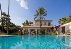 Villa for rent in Saint-Tropez. Situated between Pampelonne Beach and the village, near the center of Saint-Tropez Sea State, Tourist Info, Pearl Beach, Rural House, Saint Tropez, Swimming Pools, Saints, Villa, Backyard
