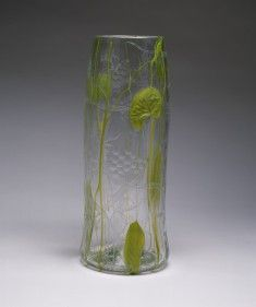 Art Nouveau, Art Deco, Tiffany Art, Tiffany Glass, Clear Glass Vases, Glass Art, Mediums Of Art, Contemporary Vases, Louis Comfort Tiffany