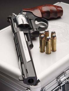 S&W #revolver #guns #gun #pistols #pistol #rifle #rifles #shotguns #shotgun #carbines #carbine #weapons #weapon #selfdefense #protection #protect #concealed #barrel #barrels #2ndamendment #2amendment #america #firearms #firearm #caliber #ammo #shell #shells #ammunition #bore #bullet #bullets #munitions