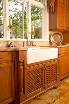 The perfect combination from Royal Cabinet Company. #Kitchen #Cabinet @KitchenBathChan