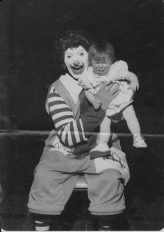 Clowns are so so so so scary.