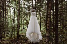 Lillian West wedding dress  | Scandinavian wedding | Pitsiniekka | Picture by Jaakko Sorvisto www.jaakkosorvisto.com