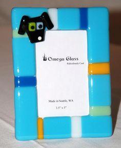 Custom Dog Photo Frame in Fused Glass. Black Dog on an Aqua Blue Frame. Dog Photo Frames, Dog Frames, Glass Picture Frames, Stained Glass Projects, Fused Glass Art, Aqua Blue, Clocks, Project Ideas, Jewelry Ideas