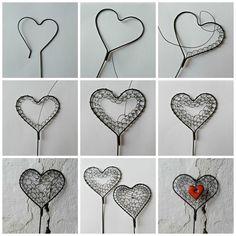 Ricamo in fil di ferro Wire Crafts, Metal Crafts, Jewelry Crafts, Copper Crafts, Heart Diy, Heart Crafts, Diy Finger Knitting, Copper Wire Art, Sculpture Textile
