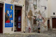 Um pequeno supermercado de bairro na Mouraria, Largo da Severa. Câmara Municipal de Lisboa - Google+ #mouraria