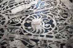 Cancer the crab. Detail of Zodiac mosaic in the nave floor, San Miniato al Monte, Florence Pisces Woman, Sagittarius, 12 Zodiac Signs, Infp, Mosaic Art, Florence, Surrealism, Renaissance, Supernatural