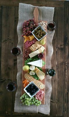 Call your friends and family, cause youre serving an epic cheese spread for your next get-together on this board! This listing is for one (1) Oak Extra Large Serving Platter. We offer these platters in Oak, Maple, Walnut, and Cherry. To view please click here-